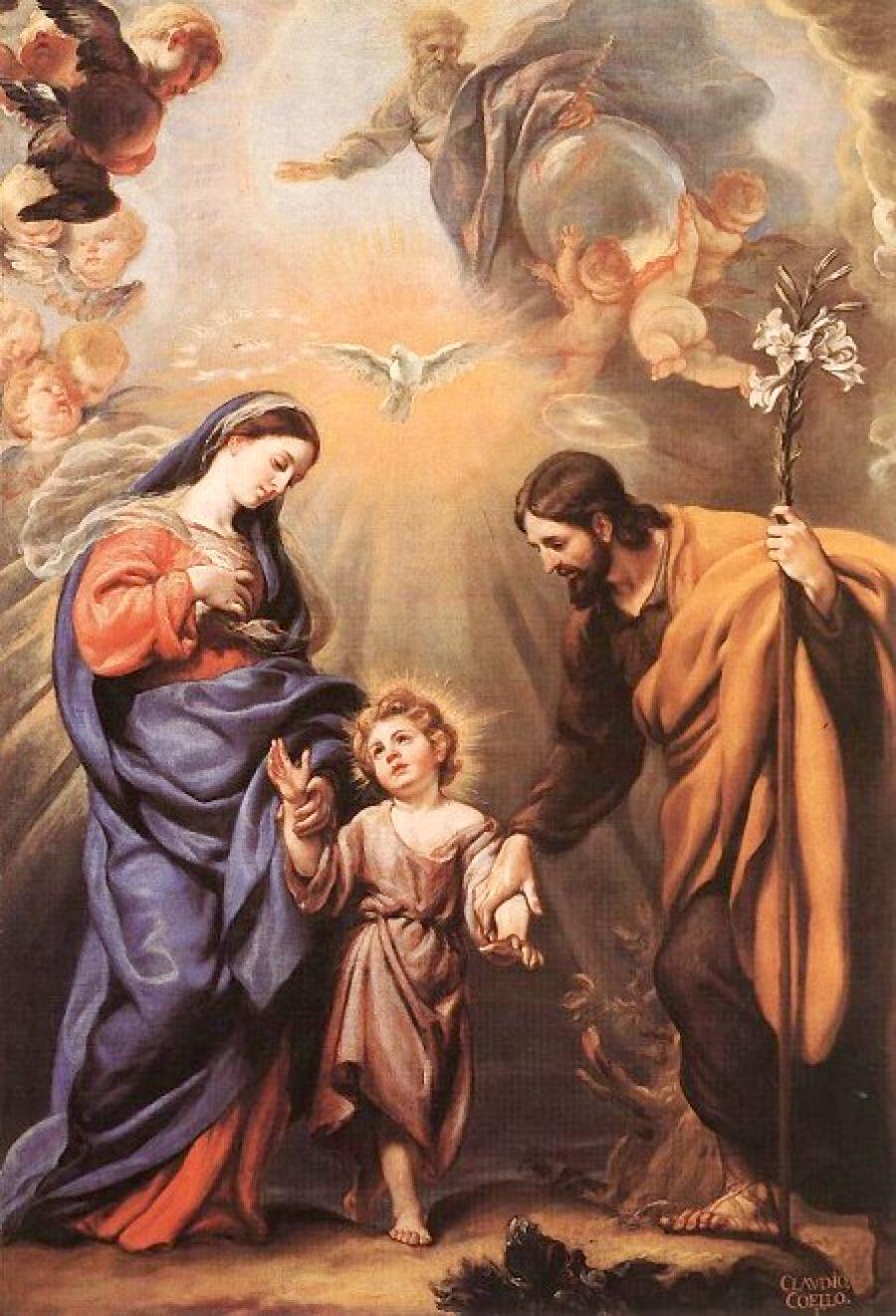 Der bodenständige Jesus steht zwischen Josef und Maria. Über ihm ist der Heilige Geist als Taube sichtbar. Darüber ist Gott Vater als Schöpfer und über den Wolken zu sehen.