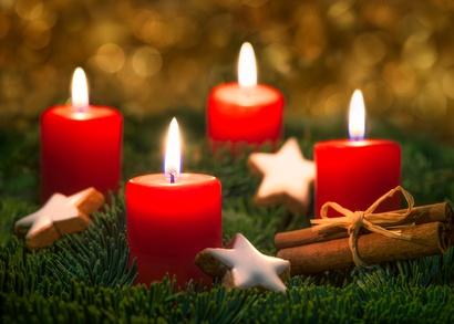Vier Kerzen brennen am Adventkranz!